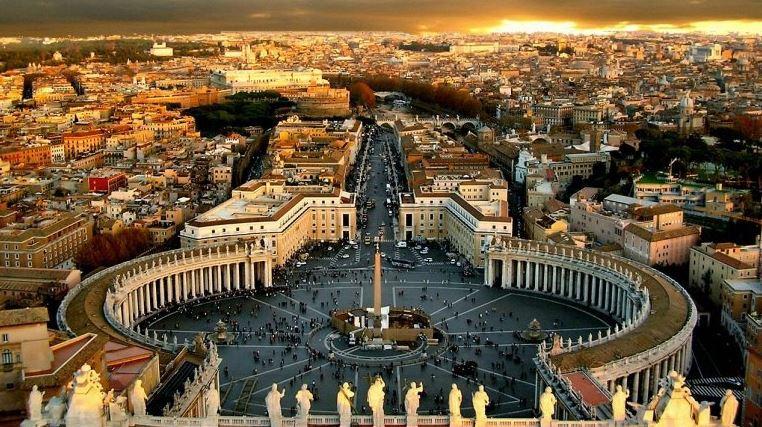 Площадь Святого Петра - достопримечательность Ватикана