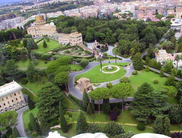 Вид на Ватиканский холм сверху