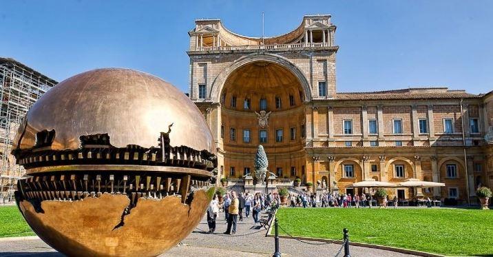 Музеи Ватикана и их посетители